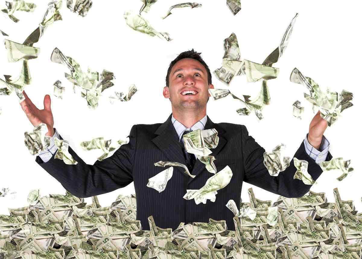 """زمانیکه به موفقیت مالی دست مییابید تعبیر شما از واژه """"بیشتر"""" و """"کمتر"""" چه میتواند باشد؟"""